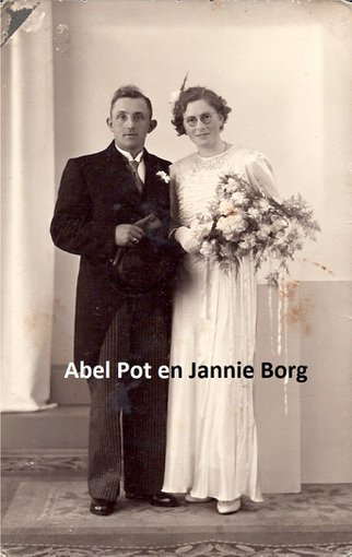 19400424-pot-borg-abel-en-jannie.large.jpg