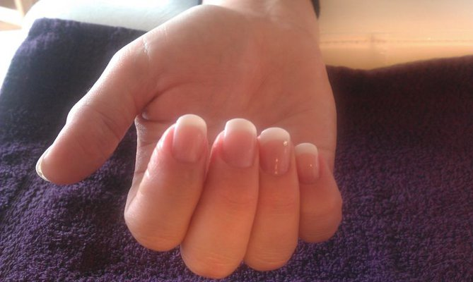 French Manicure White