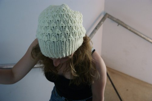 ddd2060583f Sea-of-Knits proudly presents Rib Eye! A new pattern for a slouchy hat with  an interesting pattern stitch and a long
