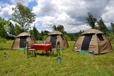 Canvas camping tents for African Safaris
