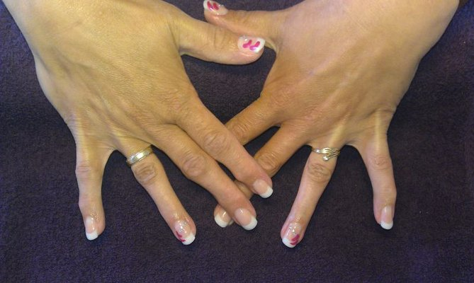 French Manicure Metallic Pearl & nail-art
