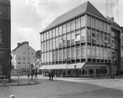 RCE-Delemarre-collGebouwd-062839MtrBrugstraat-1961.jpg