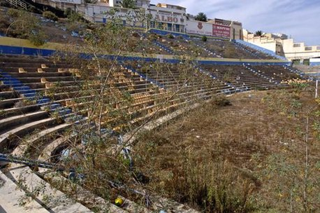 estadio-insular-abandono-156809791.large.jpg
