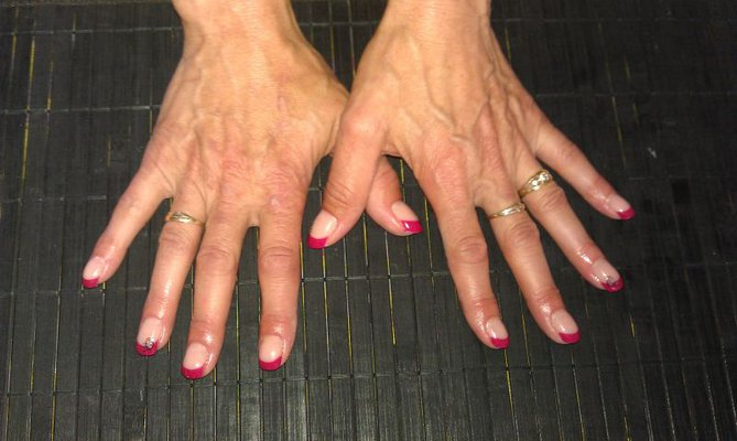 French Manicure Cherry Red