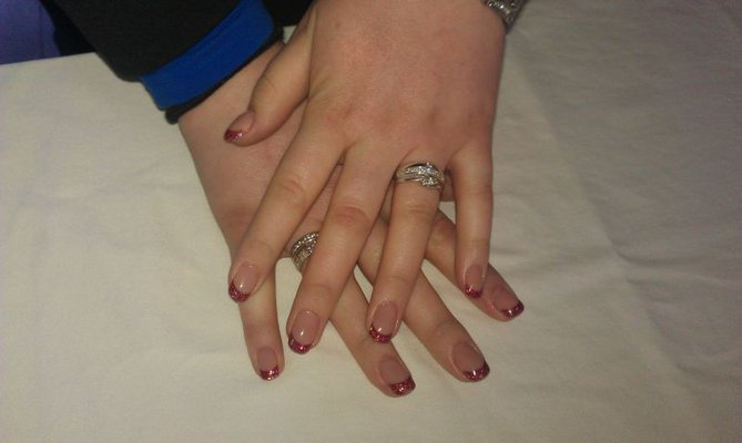 French Manicure Red Surprise