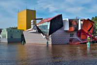 131003-1357-groninger-museum-groningen-the-netherlands.large.jpg