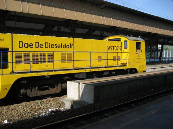 doededieseldolf.large.jpg