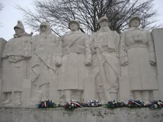 2008-12-9-verdun-monuments-aux-morts.large.jpg