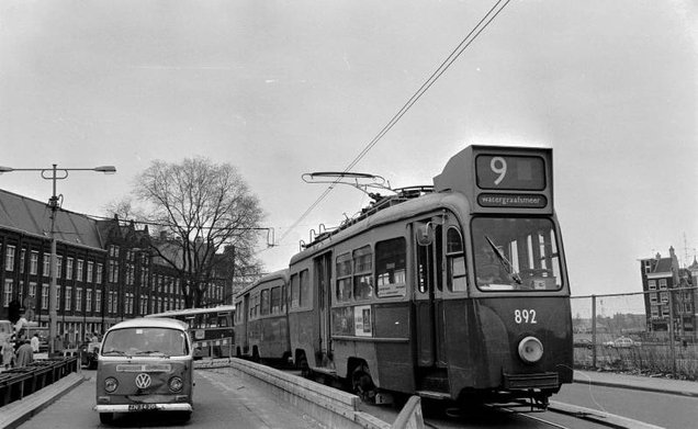 9-892984Stationsplein12-4-1979_NEW.jpg