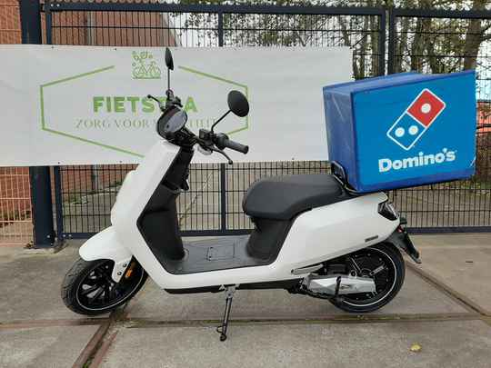 IVA E-GO S5 Delivery, dubbele accupack en lader pack! Fietstra Bezorgscooter versie