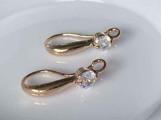 Earwire Rose Gold Tone Crystal 18mm