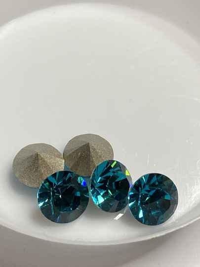 Glass Chaton 1088 8mm Blue Zircon