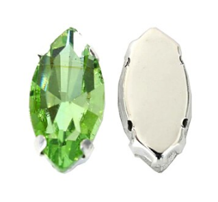 Glass Navette 15x7mm Light Peridot