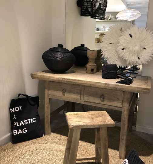 Sidetable notenhout 2 lades