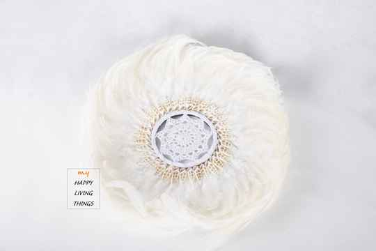 Feather - Juju Round - chicken feathers With Shells And Crochet-White  - XL