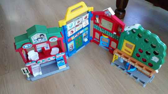 Fisher Price Little People dorp