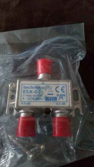 Technetix ESX-02 2 way splitter (NIEUW)