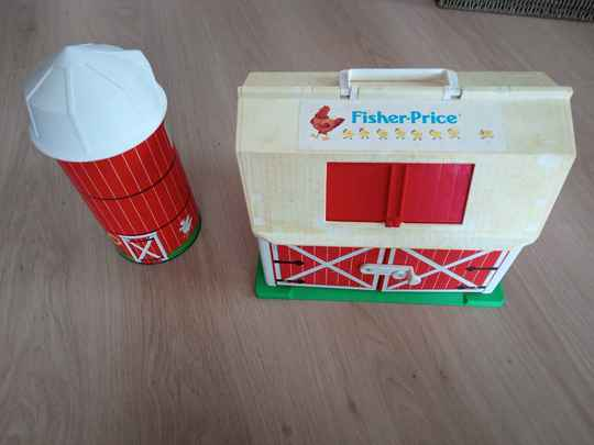 """Fisher Price """"Play Family Farm"""" 1968"""