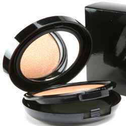 Royal Effem compact creamy foundation