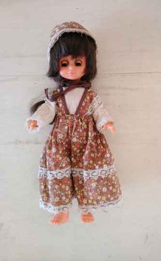 Vintage looppop Playmates Hong Kong walking doll
