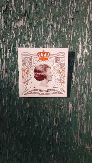 "Vintage tegel ""Beatrix Koningin der Nederlanden 30 4 1980"" / tile Dutch royal house"