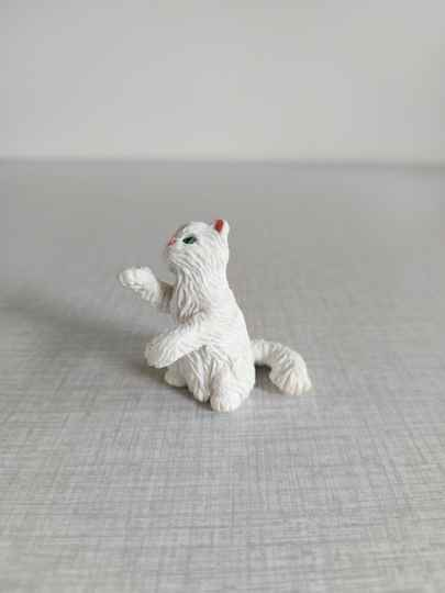 """Hasbro Kitty in my Pocket 1994 """"Lucy"""""""