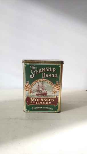 "Vintage blik ""The Steamship Brand, Molasses Candy"" England tin"