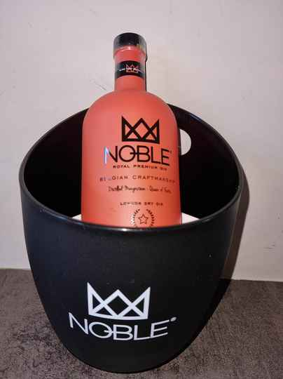 Noble Royal Premium Gin