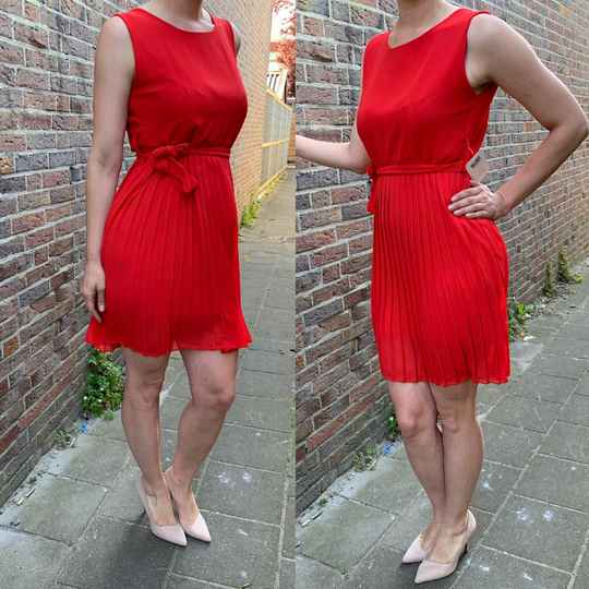 Pleated dress red ( One size fits all )