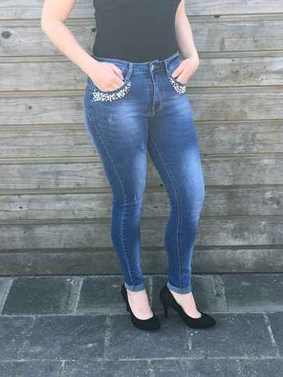 Jeans blue with pearls