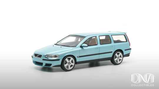 Volvo V70R Flash Green 1:18 DNA Collectibles