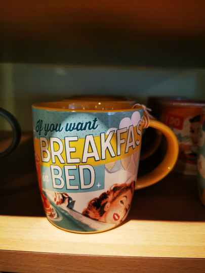 Mok if you want breakfast in bed