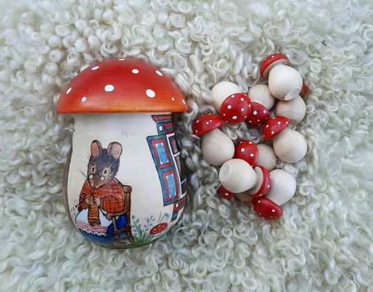 GTT - Fly Agaric Sorter Knitting Mouse