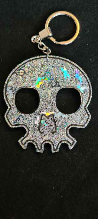 Skull Keychain Snitch & Deadly Hallows Holographic