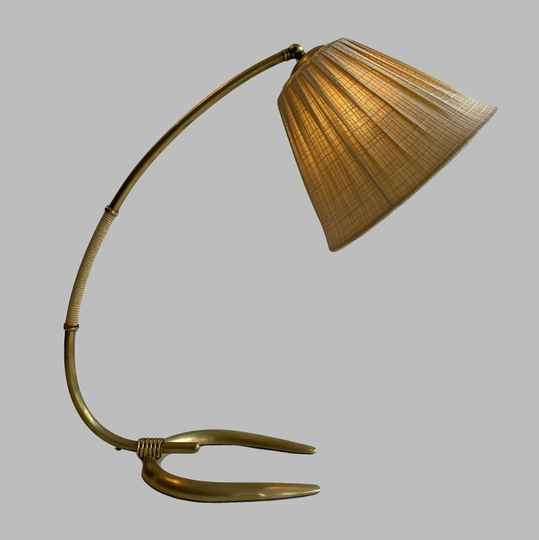 Horse shoe desk lamp