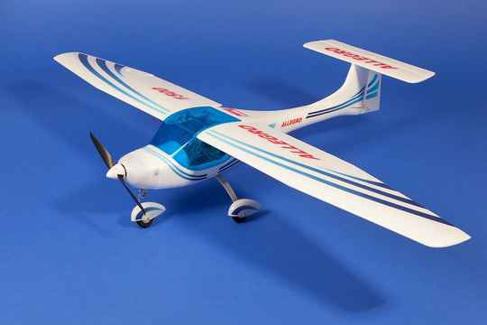 Sale : Almost complete model airplane 1150mm model A
