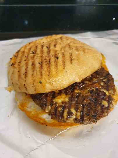 Cyber Cheese Burger XL !!!! (Spicy)
