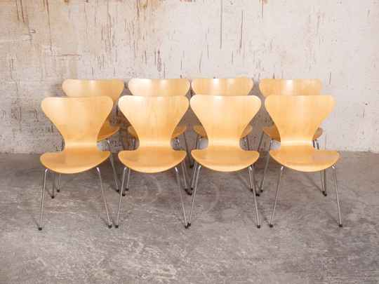 8 butterfly chairs by Arne Jacobsen for Fritz Hansen