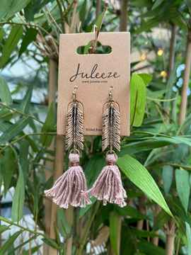Juleeze Earings Gold Feather And Pink Tassel