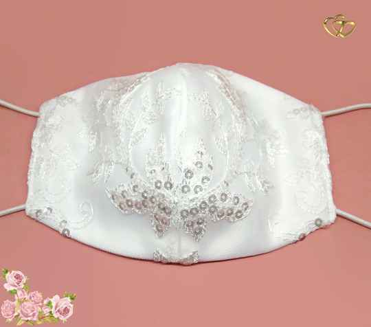 Bridal face mask with lace and sequins M04