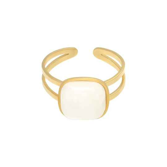 Ring in nature - white
