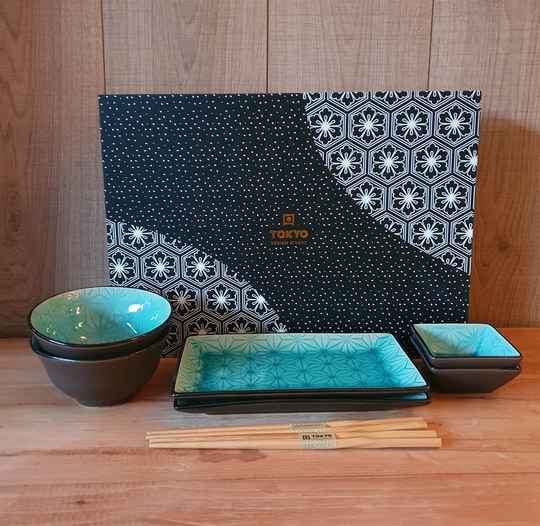 Tokyo Design Studio Glassy Turquoise Sushi Servies Stars - 8 delig - 2 persoons, 17944