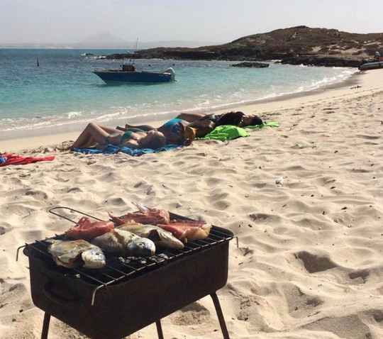 Snorkeling, chill & BBQ (private tour)