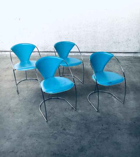 Post Modern Italian Design set of 4 Dining Chairs Linda by Arrben, 1980's Italy