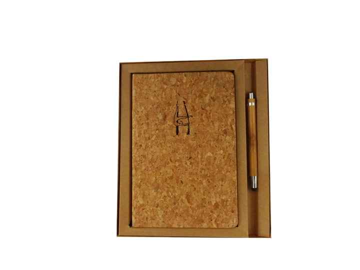 € 17,50 - Gifstset Notebook A5 Cork with bamboo stylo - Aerial Silk - giftset