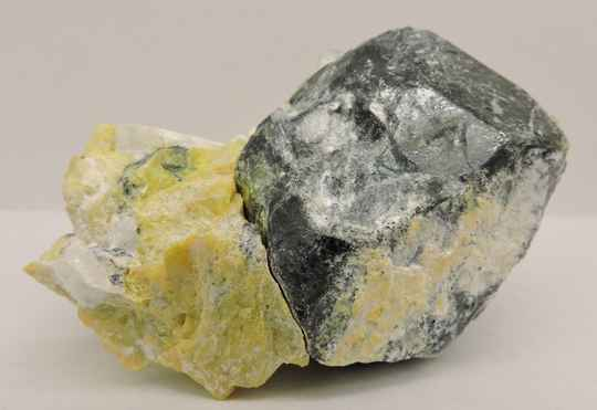 Hematite after ilmenite, hydrotalcite, lizardite and magnesioferrite from Norway - cabinet size