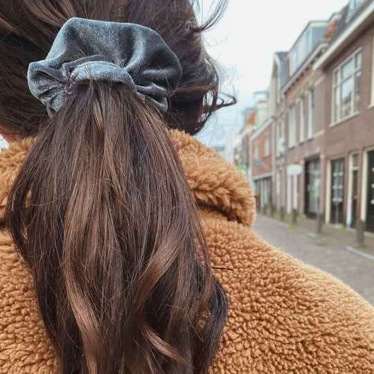 Scrunchie Velvet Space Grey