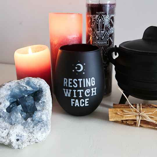 Resting witch face glas