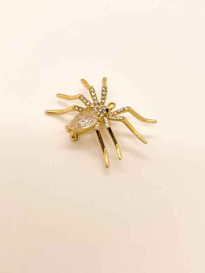 NEW! ⭐️Broche KC Gold/Crystal