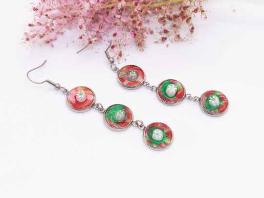 Ooorbellen lang in rood/groen - Long dangle and drop earrings red/green
